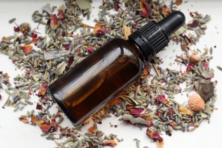 Wild Rosehip Oil DIY with Betony & Sage